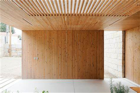 Design of cladding material: What is the material of solid wood cladding often mentioned in interior decoration?